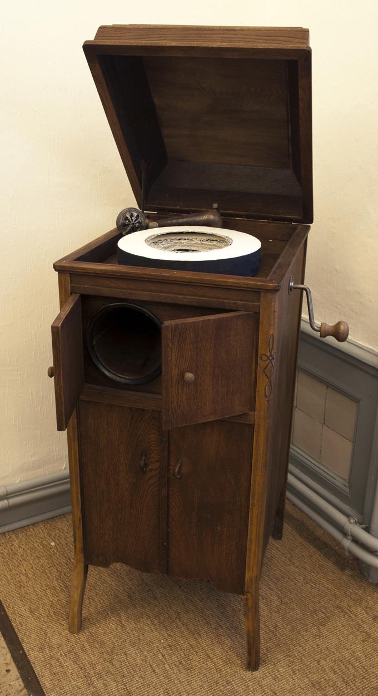 Grammophon 02